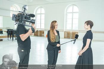 Staatsopernballett beim Training - Wiener Staatsoper - Fr 19.06.2020 - Maria YAKOVLEVA, Sasa SCHWARZJIRG6