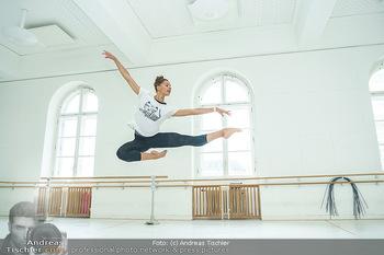 Staatsopernballett beim Training - Wiener Staatsoper - Fr 19.06.2020 - Rebecca HORNER57