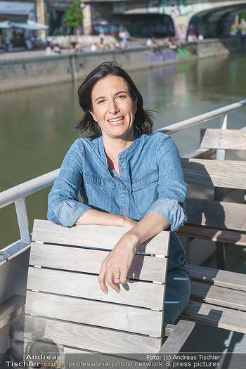 Liebesg´schichten und Heiratssachen - MS Blue Danube, Wien - Mi 24.06.2020 - Nina HOROWITZ (Portrait)14