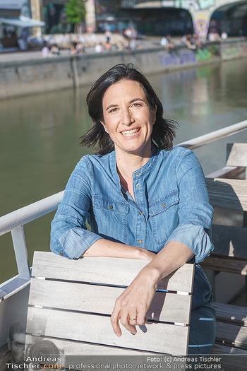 Liebesg´schichten und Heiratssachen - MS Blue Danube, Wien - Mi 24.06.2020 - Nina HOROWITZ (Portrait)15