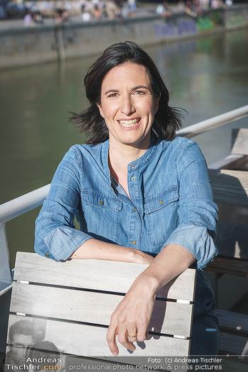 Liebesg´schichten und Heiratssachen - MS Blue Danube, Wien - Mi 24.06.2020 - Nina HOROWITZ (Portrait)16