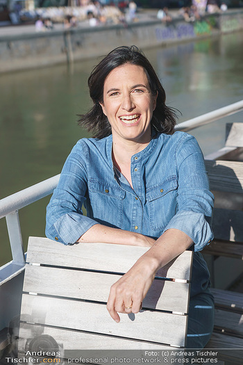 Liebesg´schichten und Heiratssachen - MS Blue Danube, Wien - Mi 24.06.2020 - Nina HOROWITZ (Portrait)18