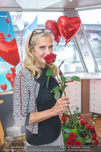 Liebesg´schichten und Heiratssachen - MS Blue Danube, Wien - Mi 24.06.2020 - Kathrin (Katrin) ZECHNER19