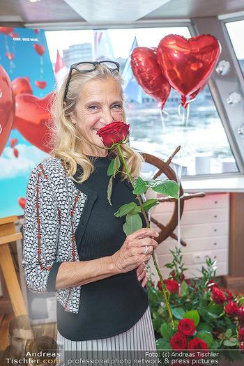 Liebesg´schichten und Heiratssachen - MS Blue Danube, Wien - Mi 24.06.2020 - Kathrin (Katrin) ZECHNER20