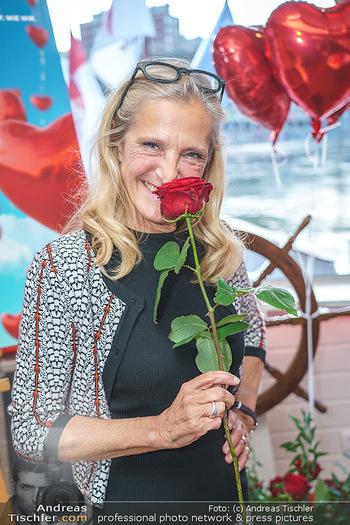 Liebesg´schichten und Heiratssachen - MS Blue Danube, Wien - Mi 24.06.2020 - Kathrin (Katrin) ZECHNER (Portrait)21