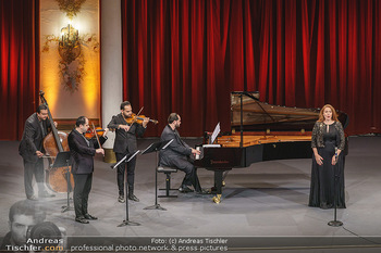 Wir spielen für Österreich - Bühnenfotos - Schloss Esterhazy, Eisenstadt - Fr 26.06.2020 - Janoska Ensemble, Martina SERAFIN41