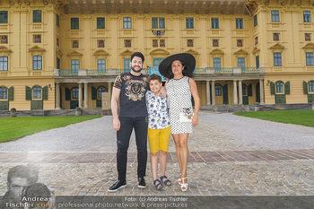 Wir spielen für Österreich - Empfang - Henrici, Eisenstadt - Fr 26.06.2020 - Anna NETREBKO mit Sohn Tiago und Ehemann Yusif EYVAZOV23
