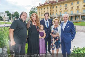 Wir spielen für Österreich - Empfang - Henrici, Eisenstadt - Fr 26.06.2020 - Familie Harald, Ingeborg, Daniel und Martina SERAFIN mit Tochter39