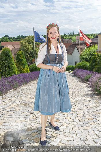 Ein fest für Dominique Meyer - Schloss Gobelsburg, NÖ - Mi 01.07.2020 - Maria GROßBAUER im Dirndl6