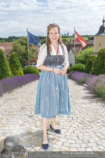 Ein fest für Dominique Meyer - Schloss Gobelsburg, NÖ - Mi 01.07.2020 - Maria GROßBAUER im Dirndl7