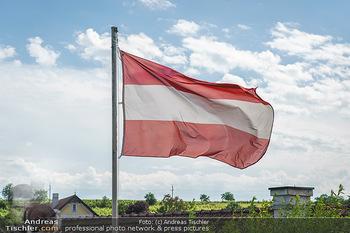 Ein fest für Dominique Meyer - Schloss Gobelsburg, NÖ - Mi 01.07.2020 - Österreich Flagge auf Fahnenmast16