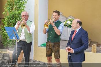 Ein fest für Dominique Meyer - Schloss Gobelsburg, NÖ - Mi 01.07.2020 - Musikkapelle spielt Volksmusik im Schlosshof für Dominique MEYE31
