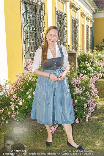 Ein fest für Dominique Meyer - Schloss Gobelsburg, NÖ - Mi 01.07.2020 - Maria GROßBAUER im Dirndl46