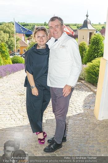 Ein fest für Dominique Meyer - Schloss Gobelsburg, NÖ - Mi 01.07.2020 - Toni MÖRWALD mit Ehefrau Eva50