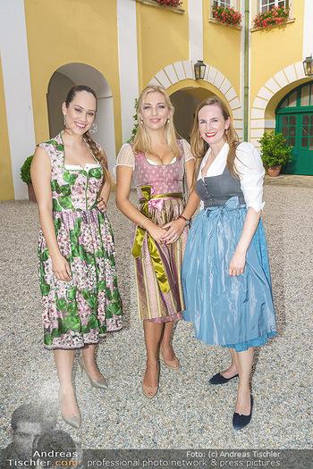 Ein fest für Dominique Meyer - Schloss Gobelsburg, NÖ - Mi 01.07.2020 - Sasa SCHWARZJIRG, Lidia BAICH, Maria GROßBAUER im Dirndl72