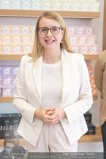Pre-Opening - Waterdrop Store - Do 02.07.2020 - Ministerin Margarete SCHRAMBÖCK (Portrait)4