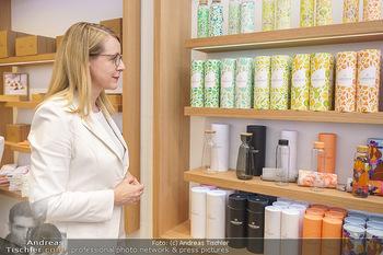 Pre-Opening - Waterdrop Store - Do 02.07.2020 - Ministerin Margarete SCHRAMBÖCK6