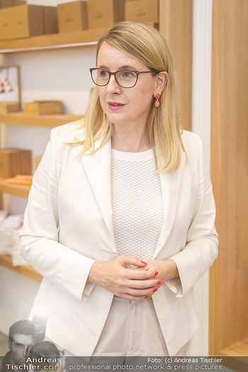 Pre-Opening - Waterdrop Store - Do 02.07.2020 - Ministerin Margarete SCHRAMBÖCK9