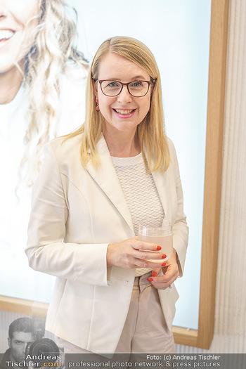 Pre-Opening - Waterdrop Store - Do 02.07.2020 - Ministerin Margarete SCHRAMBÖCK (Portrait)15
