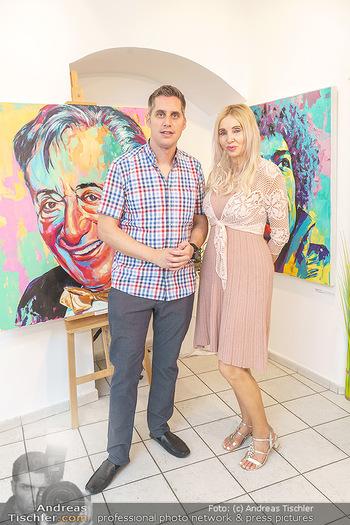 Lugner Gemälde - Galerie Steiner - Do 23.07.2020 - Corinna STEINER mit Sohn Dominic3