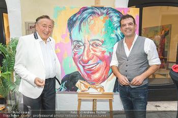 Lugner Gemälde - Galerie Steiner - Do 23.07.2020 - Richard LUGNER vor seinem Portrait Gemälde, Christian SINEMUS28