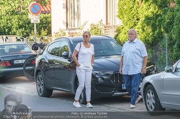 Andy Lee Lang Geburtstag - Marchfelderhof - Mo 27.07.2020 - Hannes KARTNIG mit Ehefrau Claudia14