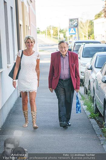 Andy Lee Lang Geburtstag - Marchfelderhof - Mo 27.07.2020 - Richard LUGNER, Karin (Zebra) KARRER30