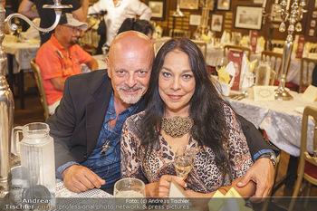 Andy Lee Lang Geburtstag - Marchfelderhof - Mo 27.07.2020 - Gary LUX mit Freundin Elisabeth Sissi GOTSBACHER59