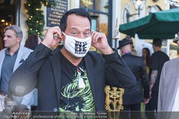 Andy Lee Lang Geburtstag - Marchfelderhof - Mo 27.07.2020 - Gregor GLANZ mit MNS Maske (Coronamaske, Corona Schutzmaske Gesi65