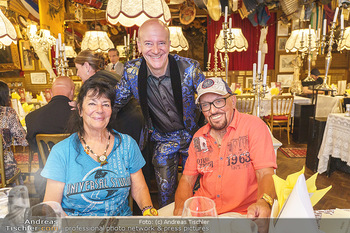 Andy Lee Lang Geburtstag - Marchfelderhof - Mo 27.07.2020 - Andy LEE LANG mit seinen Eltern Silvia und Manfred LANG80