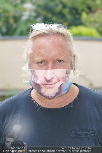 Interviewtermin Seberg und Prokopetz - Agentur Sobieszek, Wien - Mi 29.07.2020 - Gregor SEBERG (Portrait mit Corona MNS Maske Schutzmaske)16