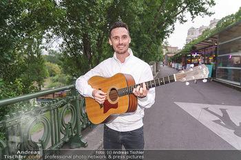 James Cottriall Konzert - Summerstage - Di 04.08.2020 - James COTTRIALL mit seiner Gitarre6