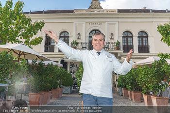 Festspiel Premiere - Grafenegg - Fr 14.08.2020 - Toni MÖRWALD vor seinem Restaurant Schlosstaverene5