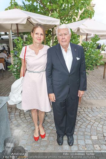 Festspiel Premiere - Grafenegg - Fr 14.08.2020 - Peter WECK mit Begleitung Freundin Joanna RZEPA11