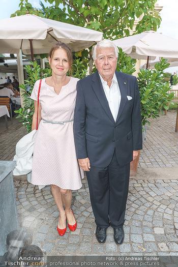 Festspiel Premiere - Grafenegg - Fr 14.08.2020 - Peter WECK mit Begleitung Freundin Joanna RZEPA12