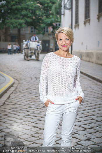 15-Minuten-Fotoshooting Kristina Sprenger - Wien Am Hof - Mo 17.08.2020 - Kristina SPRENGER20