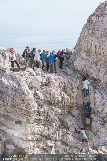 200 Jahre Erstbesteigung - Zugspitze - Do 27.08.2020 - Alle wollen tw. in Halbschuhen zum Gipfelkreuz, Massenandrang am13