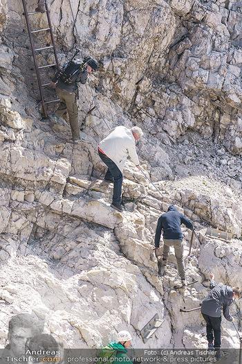 200 Jahre Erstbesteigung - Zugspitze - Do 27.08.2020 - Alle wollen tw. in Halbschuhen zum Gipfelkreuz, Massenandrang am17