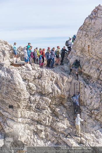 200 Jahre Erstbesteigung - Zugspitze - Do 27.08.2020 - Alle wollen tw. in Halbschuhen zum Gipfelkreuz, Massenandrang am23
