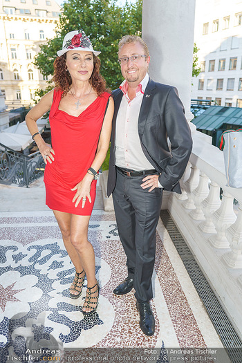 IT Cosmetics Champagner Empfang - Palais Coburg - Do 03.09.2020 - Christina LUGNER2