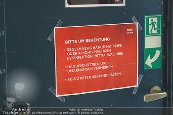Dancing Stars Pressetermin - Funkhaus Wien - Mo 07.09.2020 - Hinweisschilder Warnschild wegen Corona Covid-19 Schutzmaßnahme12