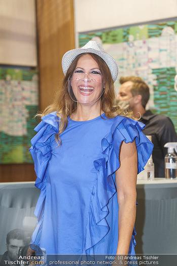 Dancing Stars Pressetermin - Funkhaus Wien - Mo 07.09.2020 - Natalia USHAKOVA mit MNS Corona Schutzmaske gegen Coronavirus36