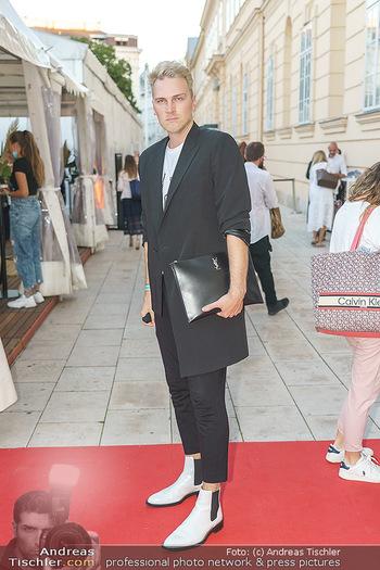 Ingried Brugger Show - Vienna Fashion Week Zelt - Di 08.09.2020 - Niko NIKO6