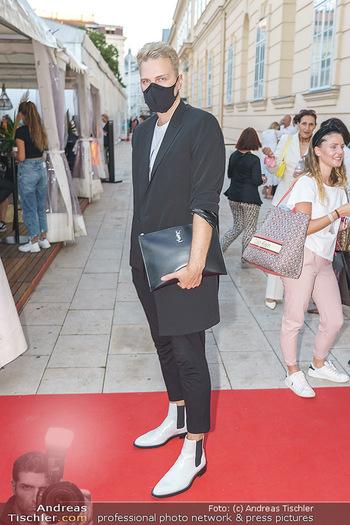 Ingried Brugger Show - Vienna Fashion Week Zelt - Di 08.09.2020 - 10