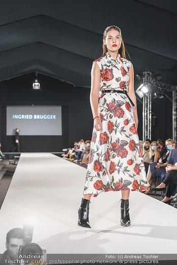 Ingried Brugger Show - Vienna Fashion Week Zelt - Di 08.09.2020 - Model am Laufsteg19