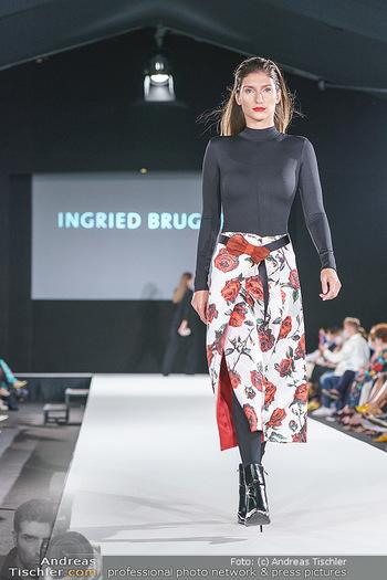 Ingried Brugger Show - Vienna Fashion Week Zelt - Di 08.09.2020 - Model am Laufsteg21