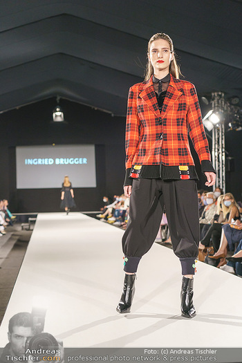 Ingried Brugger Show - Vienna Fashion Week Zelt - Di 08.09.2020 - Model am Laufsteg30