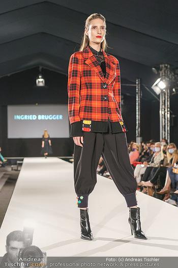 Ingried Brugger Show - Vienna Fashion Week Zelt - Di 08.09.2020 - Model am Laufsteg31
