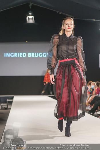 Ingried Brugger Show - Vienna Fashion Week Zelt - Di 08.09.2020 - Model am Laufsteg32