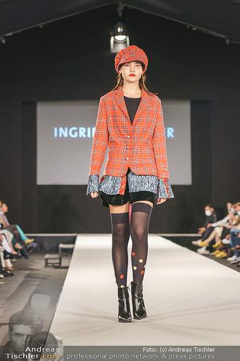 Ingried Brugger Show - Vienna Fashion Week Zelt - Di 08.09.2020 - Model am Laufsteg34